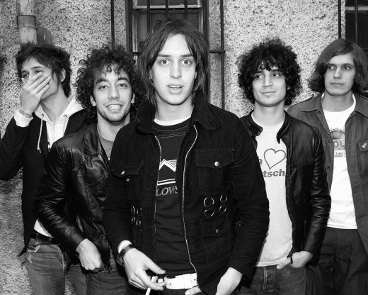 1500px-The_Strokes_by_Roger_Woolman
