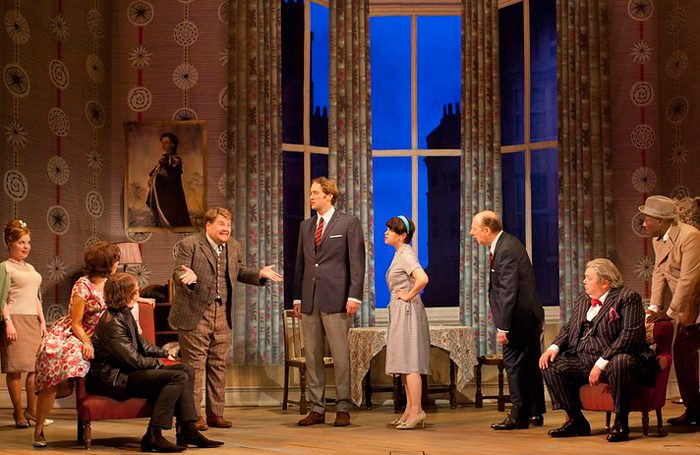 cast-of-one-man-two-guvnors-NT-2011-credit-Joan-Persson-suppled-by-NT-for-NT-at-Home-700x455